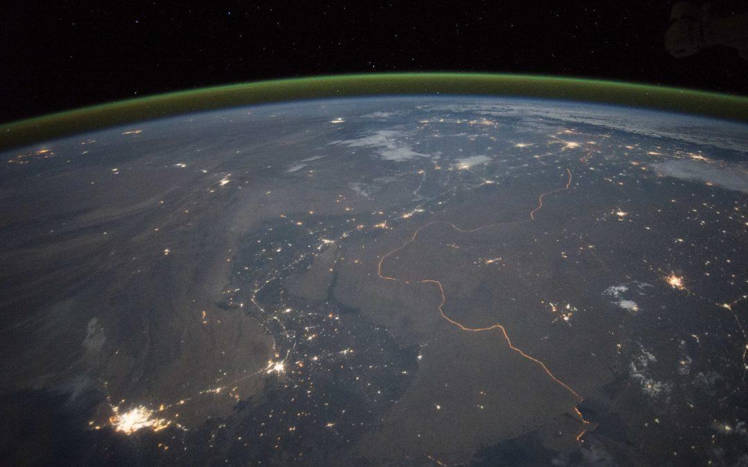 Detectan la línea verde del oxígeno en la atmósfera de Marte